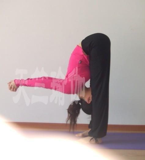 瑜伽 给你一个美丽健康的自己