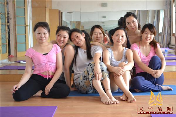 天竺瑜伽第178期初中高级连读瑜伽教练培训全日制脱产培训班