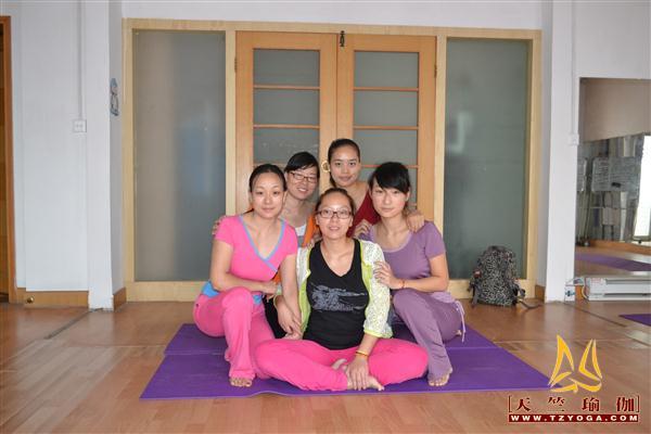 天竺瑜伽武昌学院第2期初中高级连读瑜伽教练培训周末班培训班