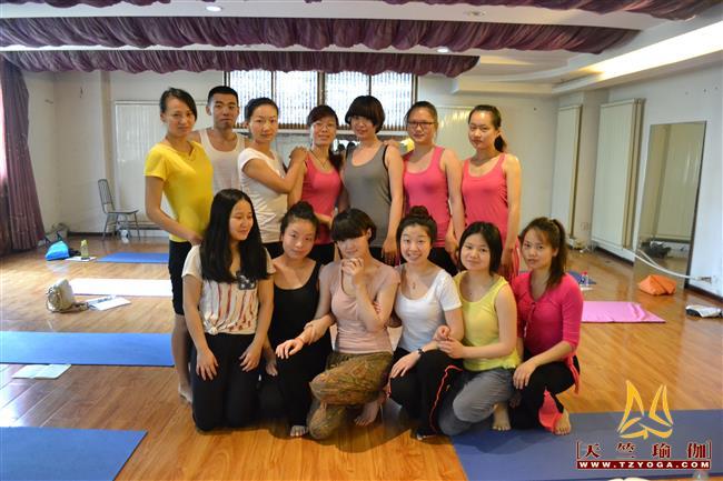 天竺瑜伽第188期初中高级连读瑜伽教练培训全日制脱产培训班