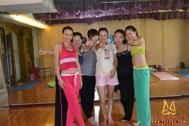 天竺瑜伽第期初中高级连读玄度特色进修培训全日制脱产培训班