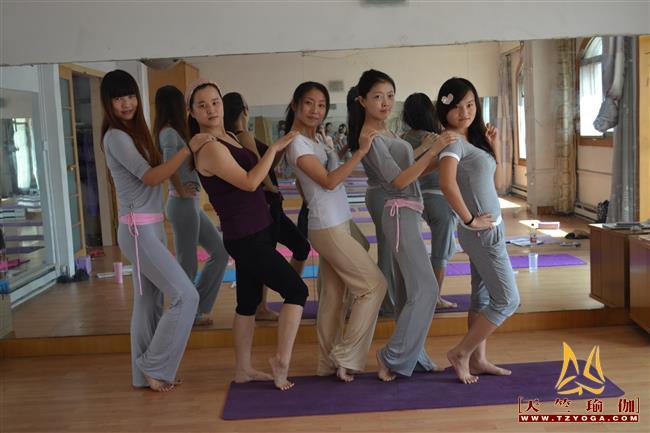 天竺瑜伽第191期初中高级连读瑜伽教练培训全日制脱产培训班