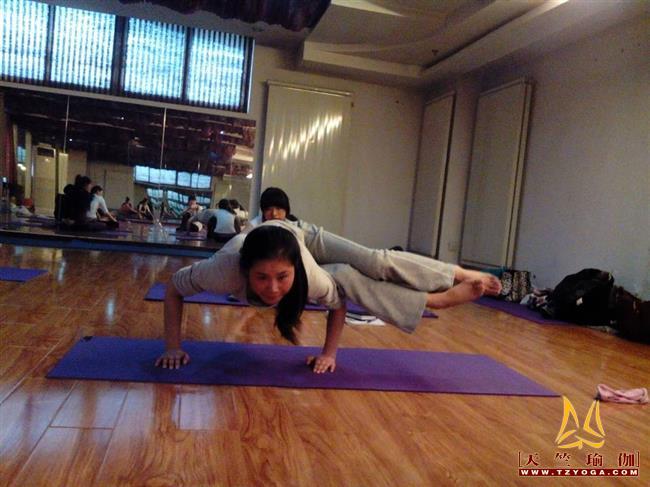 瑜伽优秀学员黄英