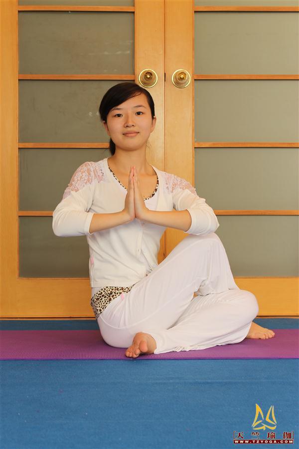 天竺瑜伽教练-高级教练王雪