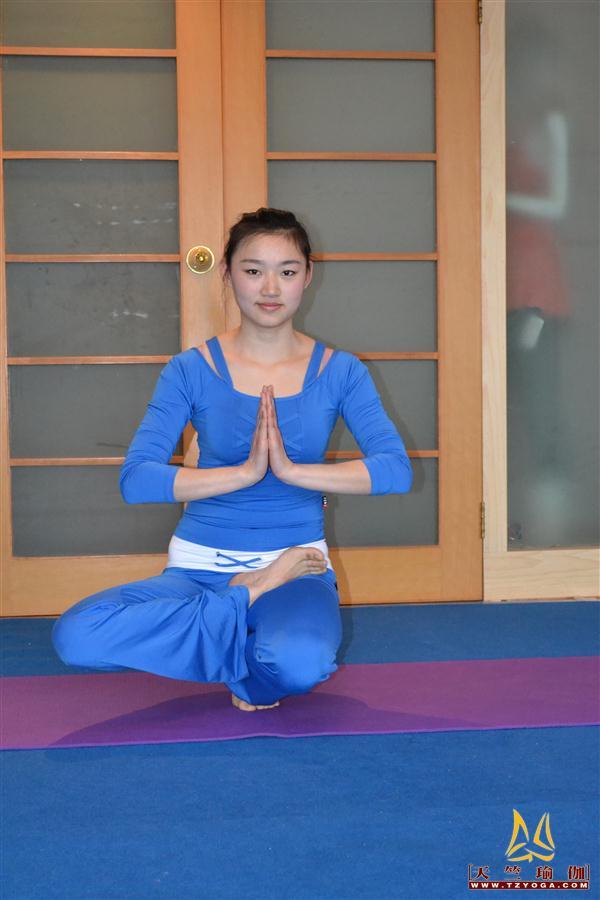 瑜伽优秀学员徐秋霞