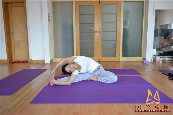 天竺瑜伽教练-高级教练李书丽