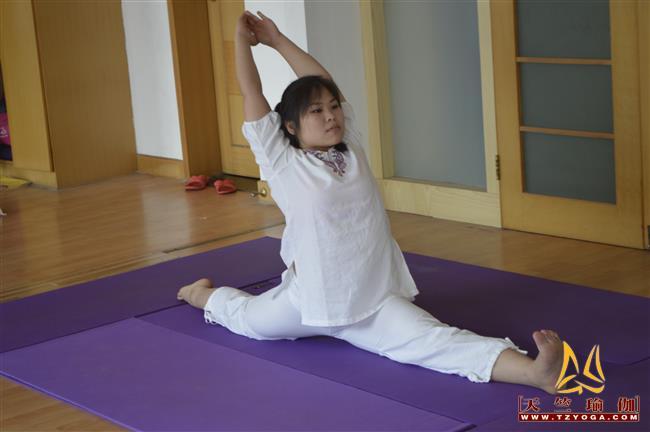 瑜伽优秀学员梁艳艳