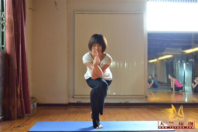 天竺瑜伽教练-高级教练陈伟时