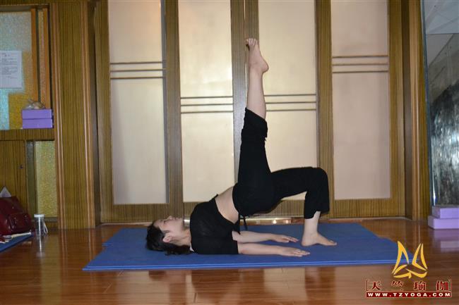 瑜伽优秀学员易丹