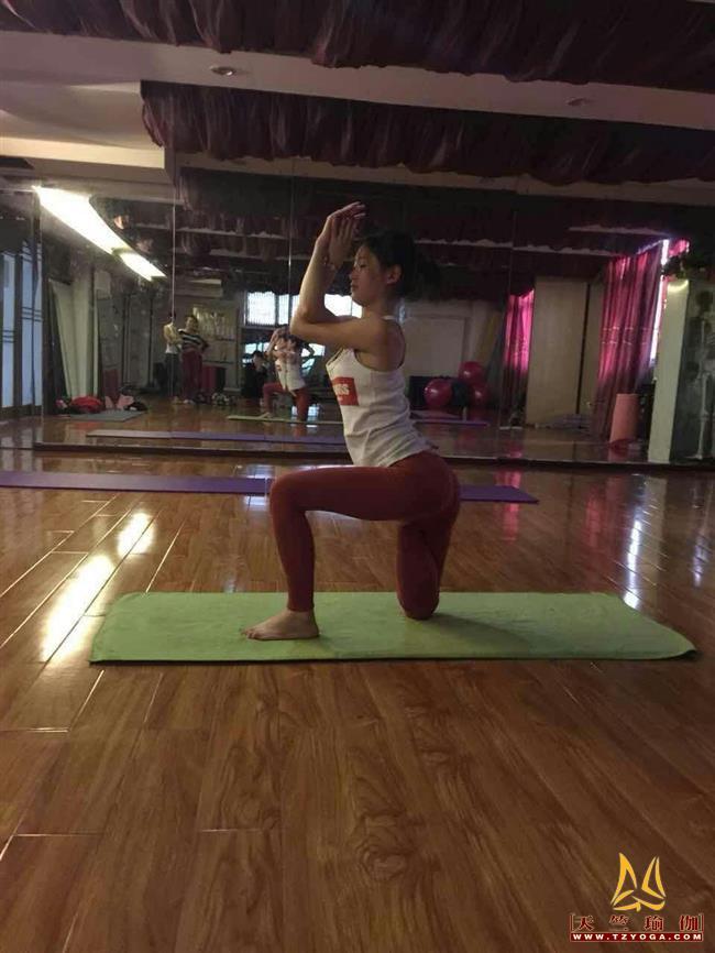 天竺瑜伽教练-高级教练张梦琴