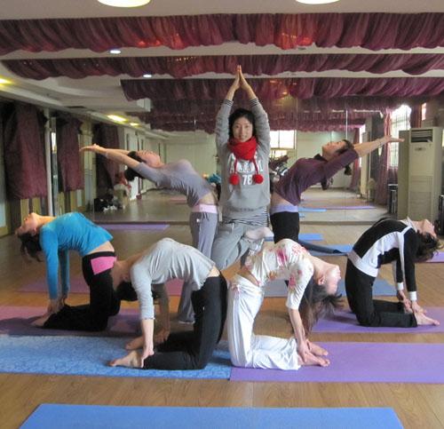 国际瑜伽学院第51期中级培训班结业合影