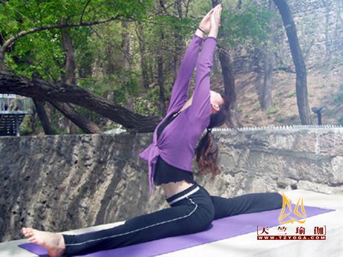 天竺瑜伽优秀教练--朱玲玲