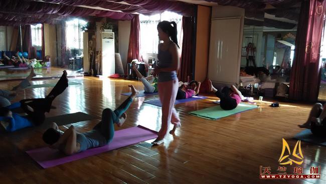 天竺瑜伽第202期初中高级连读瑜伽教练培训全日制脱产培训班