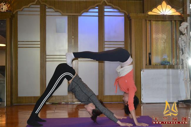 天竺瑜伽第214期初中高级连读瑜伽教练培训全日制脱产培训班
