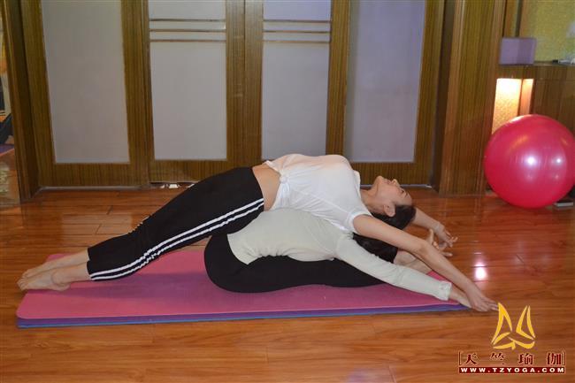 天竺瑜伽第216期初中高级连读瑜伽教练培训全日制脱产培训班