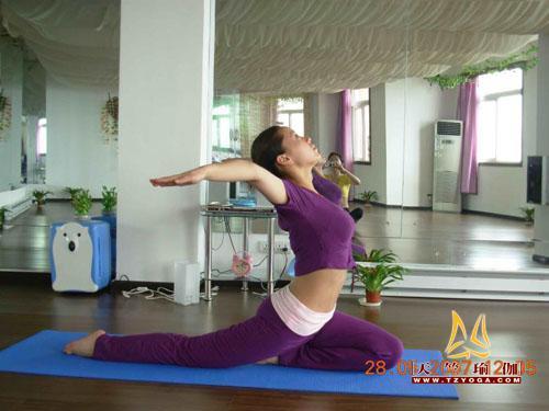 瑜伽优秀学员梁朝思