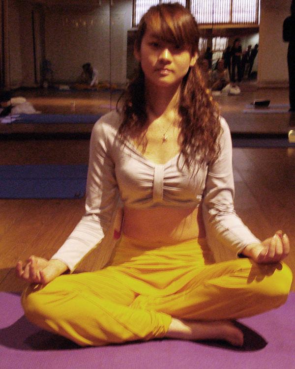 瑜伽优秀学员胡怡琪