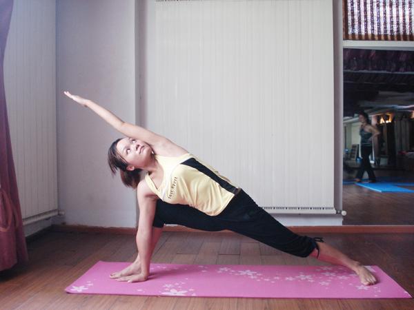 瑜伽优秀学员张晶