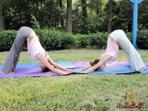 瑜伽优秀学员黄双双
