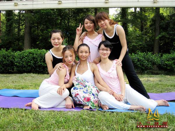 瑜伽优秀学员江丹