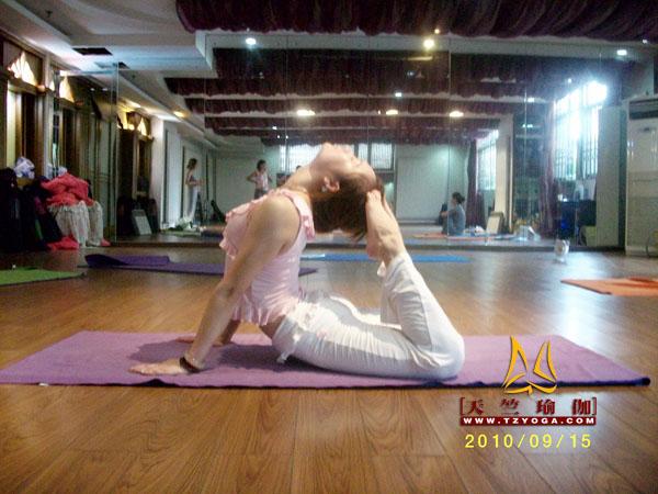 天竺瑜伽教练-高级教练李晓湾